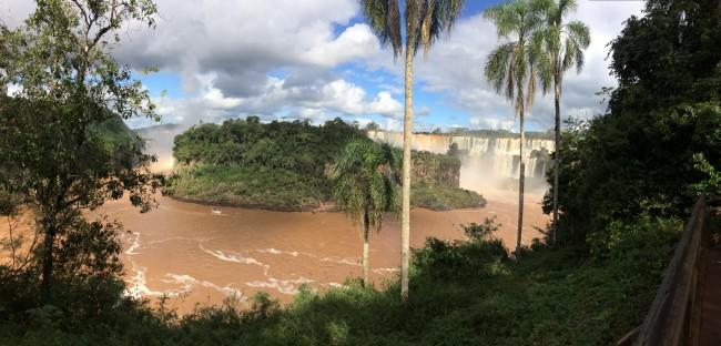 Iguassu Falls: Brazil vs. Argentina