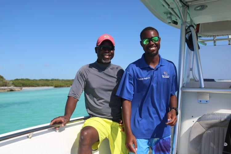 Sandy Cay by boat